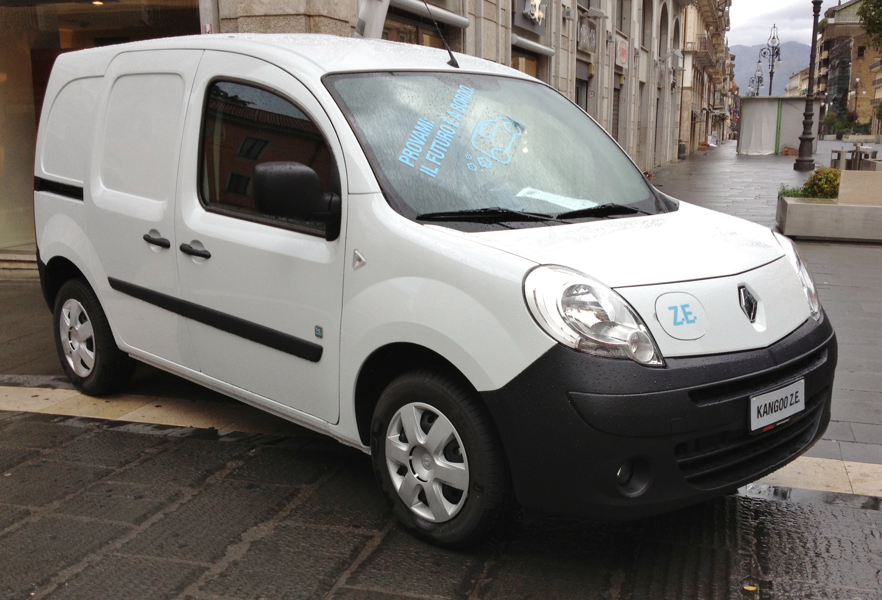 renault kangoo 33 maxi z e 2 sitzer ludego. Black Bedroom Furniture Sets. Home Design Ideas