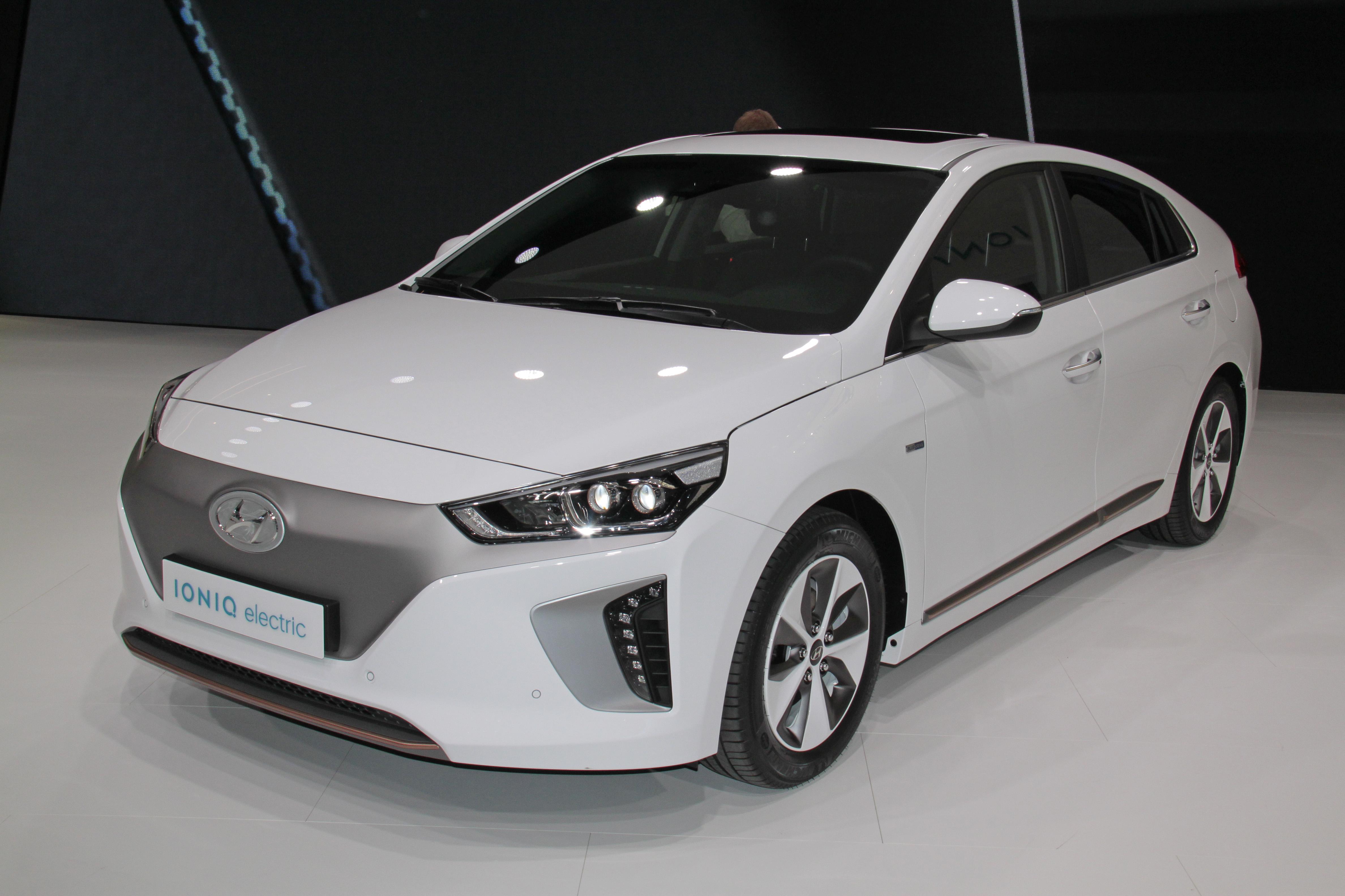 Hyundai Ioniq Style mit kostenfreier Stornierungsmöglichkeit