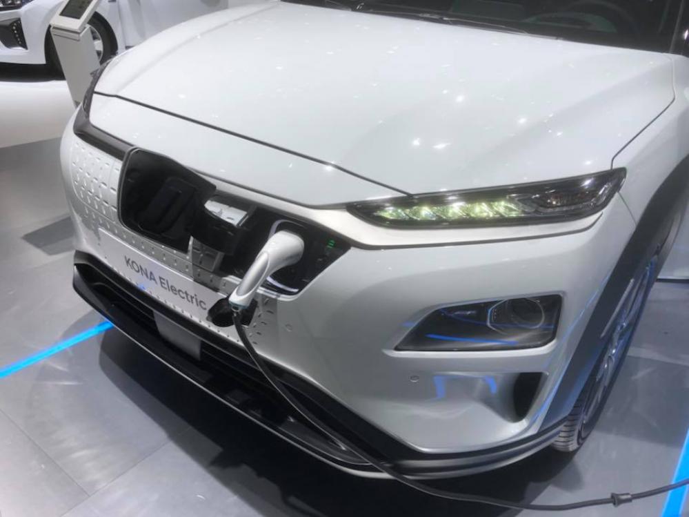 Hyundai Kona Elektro Premium150 kW/204 PS 64 kWh kostenlos stornierbar