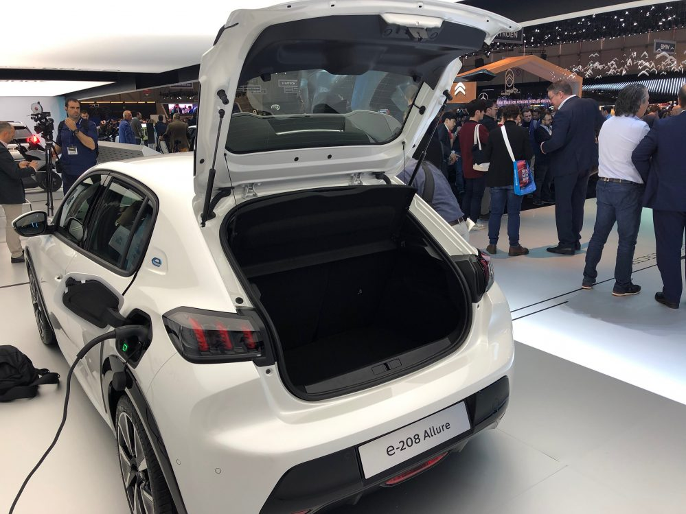 Peugeot e-208 ACTIVE inkl. Bafa Förderung. Lieferung und Zulassung sind Optional möglich.