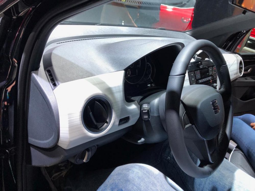 SEAT Mii electric PLUS PLUS inkl. CCS, Fahrassistenz, Kabel und Flex Paket