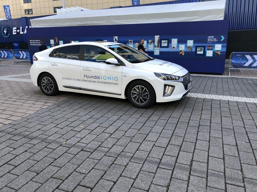Hyundai IONIQ Elektro Facelift 2021 inkl. Lieferung, Zulassung und Bafa. 19% MwSt.