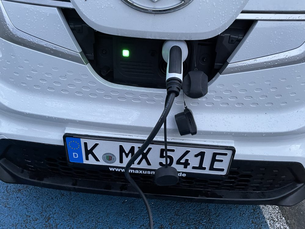 Maxus e-Deliver 3 35 kWh LANGER RADSTAND netto inkl. Bafa